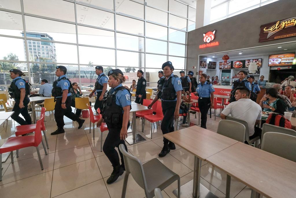 Policia represiva en Nicaragua