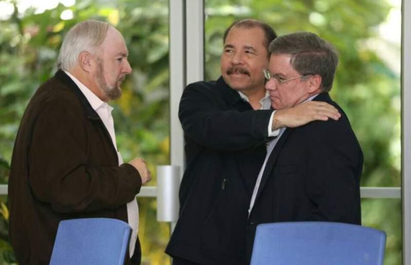 Ortega y Carlos Pellas